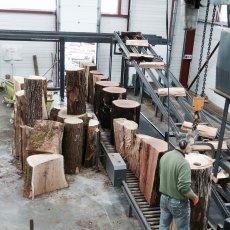 Arrivage des bois en différentes hauteurs pour le passage à la(...)